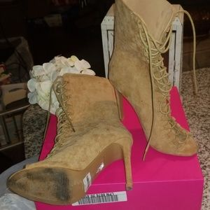 Me love these booties!